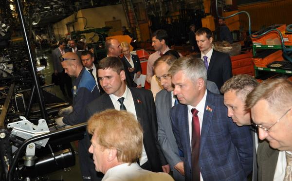 Посещение конвейера Минского автомобильного завода