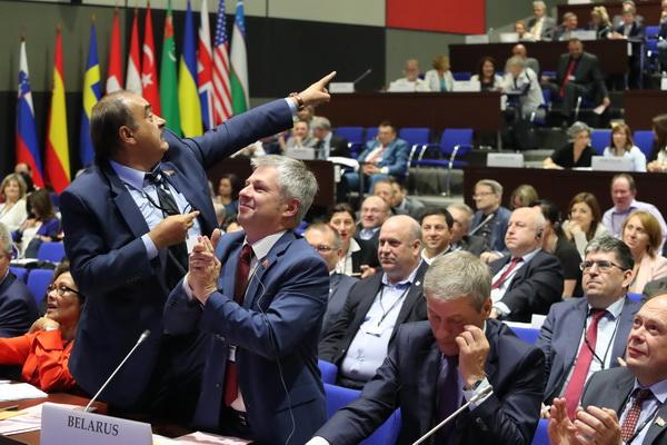 Заключительное голосование по итоговой декларации 26-ой ежегодной сессии Парламентской ассамблеи ОБСЕ: белорусская делегация отстояла свою позицию!