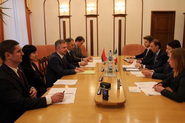 Переговоры с членом Парламента Итальянской республики Л.Сонего по вопросам, касающимся председательства Республики Беларусь в ЦЕИ